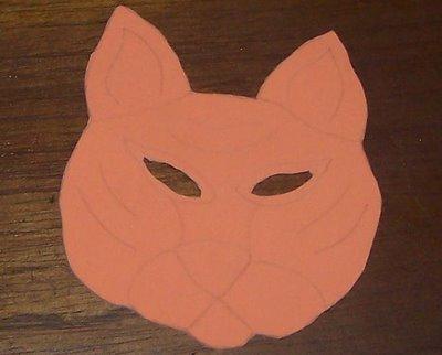 molde de tigre con ojos recortados