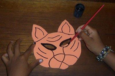 pintar ojos de tigre en foamy con vinilo negro