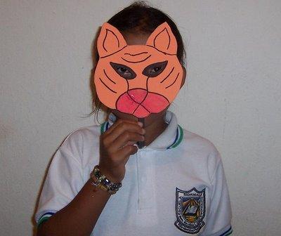 mascara de tigre en foamy