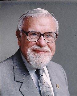 El doctor Glenn Doman creador del metodo de lectura temprana Doman